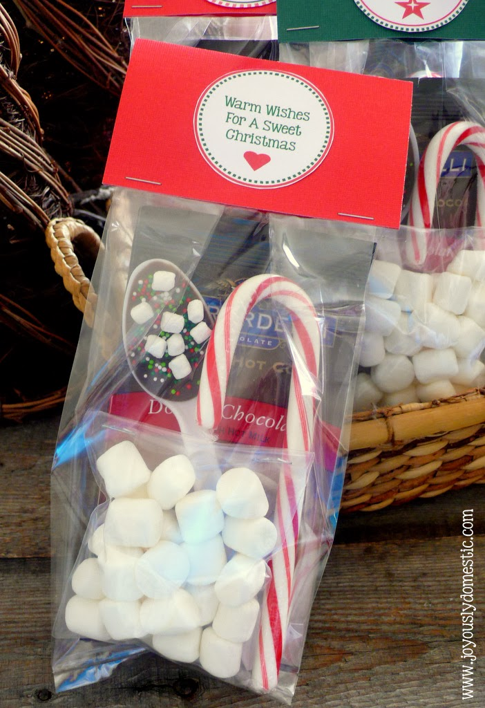 joyously domestic holiday hot cocoa kits with homemade stir spoons includes free printable labels - Homemade Gifts For Christmas