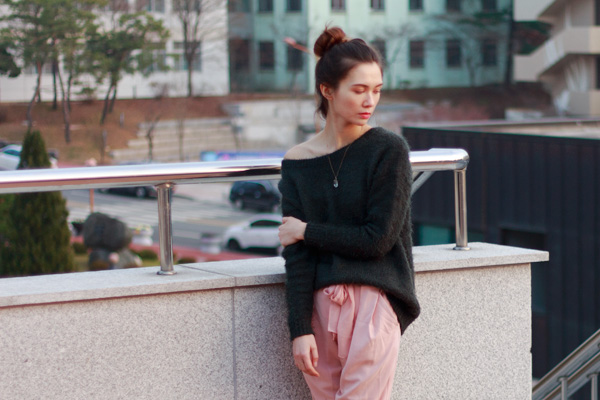 korean fashion, blush, joggers, fuzzy sweater, feminine joggers, comfy style, loungewear, korean fashion, belted pants, greylin, charles philip shanghai, asian style, casual n couture, my tangled musings blog