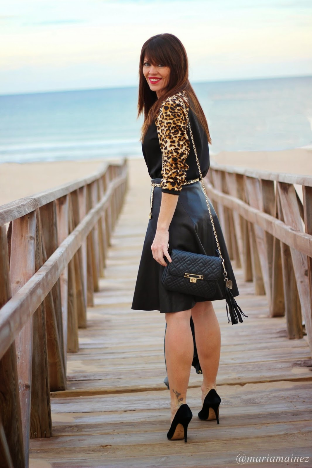 Leather look - Streetstyle - Black and gold - Bbeautiful by Maria - Pepe Moll Bags- Falda Midi