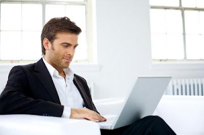 Đặt laptop trên đùi có thể gây vô sinh