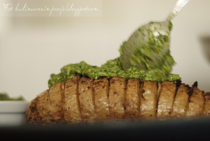 Culinary Impressions: Hasselback Potatoes with Spinach Cashew Pesto