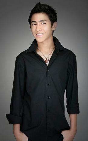 Foto Axel Matthew Thomas Ganteng Tampan Cowok Idola Indonesia Profil