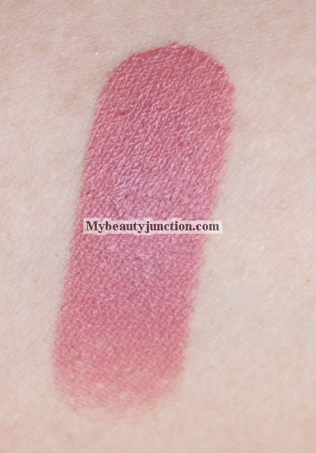 Chanel Rouge Allure Velvet lipstick 34 La Raffinee review and swatches
