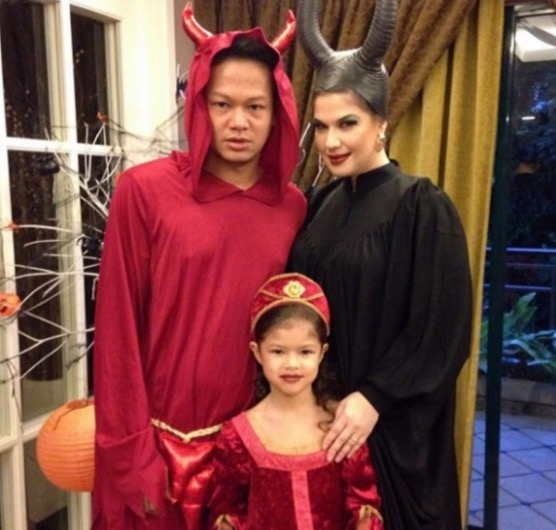 Kostum Halloween Que Haidar dan Linda Jasmine