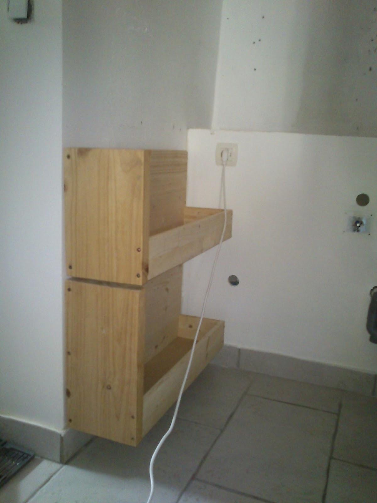rue rivoirette diy des tiroirs sous escalier. Black Bedroom Furniture Sets. Home Design Ideas