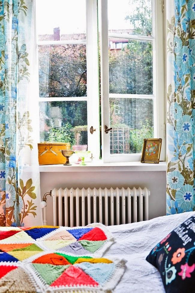 wnętrza, wystrój wnętrz, dom, kolory, radosne mieszkanie, styl skandynawski, białe wnętrza, sypialnia