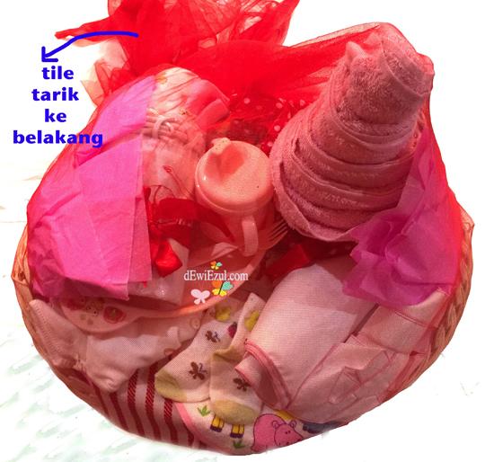 parcel merah, red parcel,cara membuat parcel bayi,tutorial membuat parcel bayi merah,§cara membuat parcel bayi,parcel merah,apa saja yang diperlukan untuk membuat parcel,