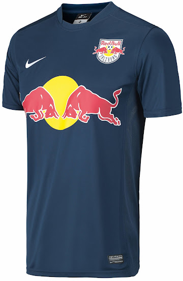 http://4.bp.blogspot.com/-r90FJVyMhD4/U8zR2zIK3_I/AAAAAAAAUrE/C_ewZ1BNeO0/s553/Red-Bull-Salzburg-14-15-Away-Kit+(1).jpg