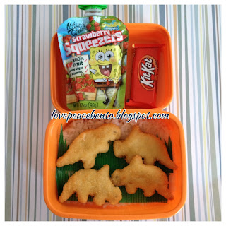 Chicken nugget dinosaur lunch for kids