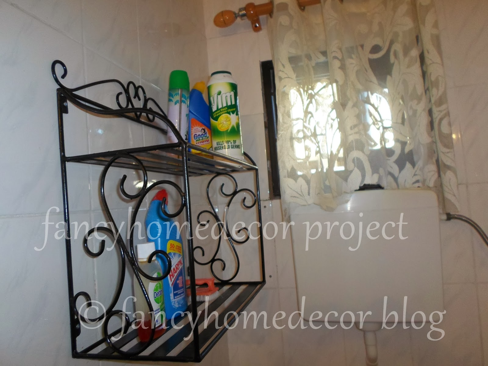 SITE YA KIJITONYAMA  BATHROOM SHELF, MIRROR AND TOILET PAPER HOLDER