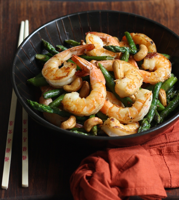 Easy Shrimp with Asparagus & Cashews Stir Fry by SeasonWithSpice.com