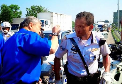 4 Gambar Dua Anggota Polis Trafik Pengiring Zahid Cedera Terbabit Nahas