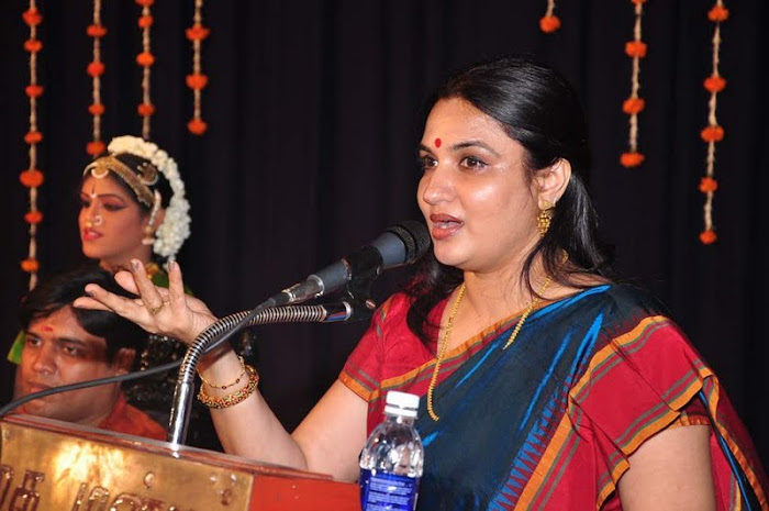suganya @ bharathanatya arangetram unseen pics