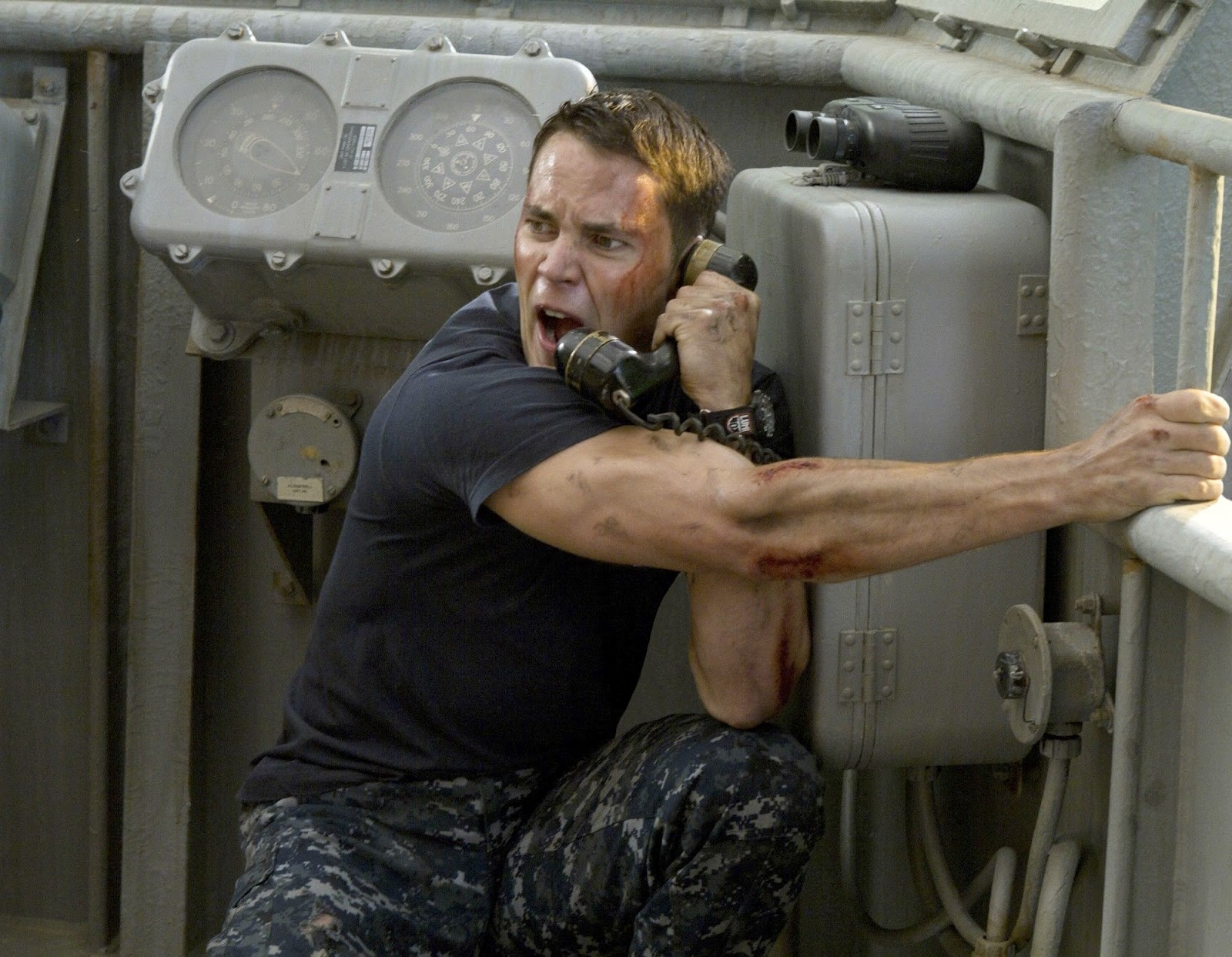 http://4.bp.blogspot.com/-r9YSd-ohlWo/T5M4XAY40KI/AAAAAAAACQU/k6QilvQ7IJ0/s1600/Battleship2.jpg