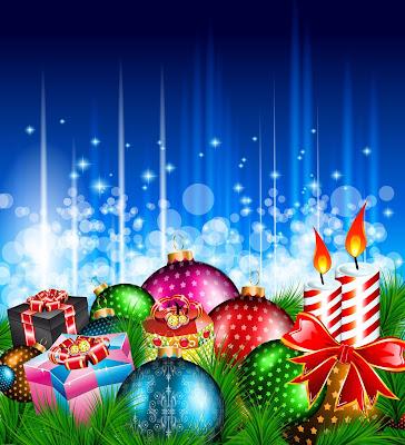 Esferas, regalos y velas en postal navideña