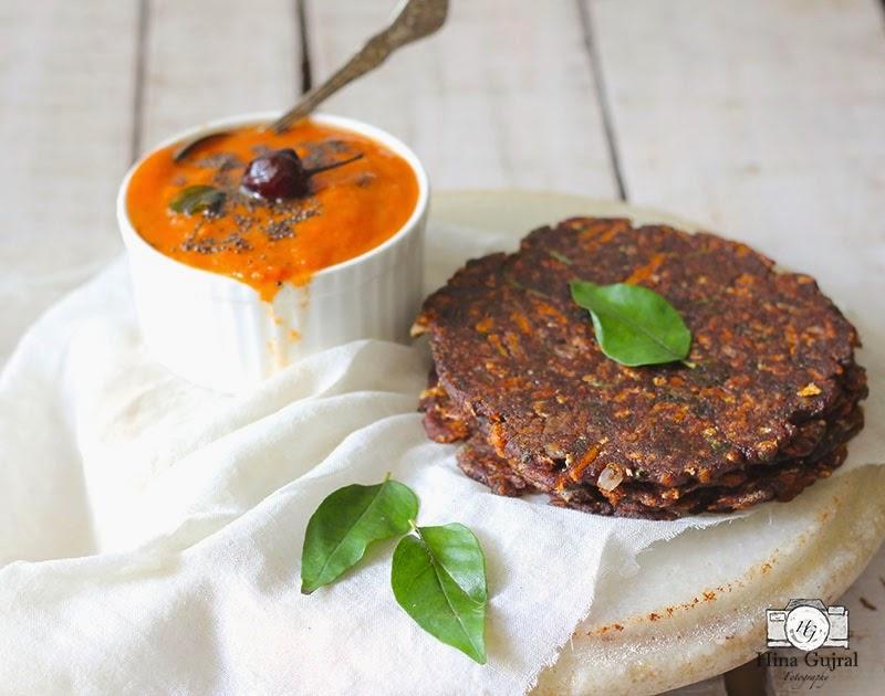 Ragi Rotti (Finger millet flatbread) with Tomato Chutney