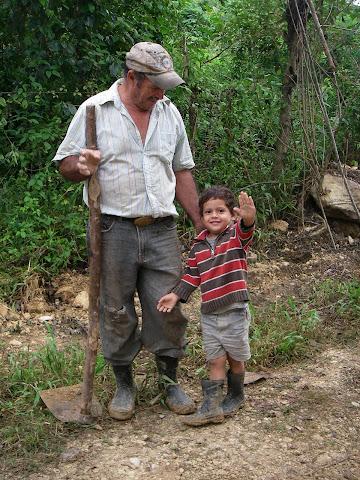 Miguel et son bébé Anghel