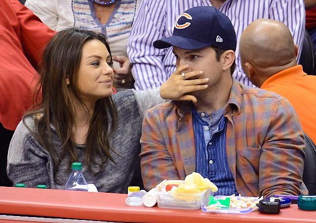 Mila Kunis y Ashton Kutcher demuestran su amor