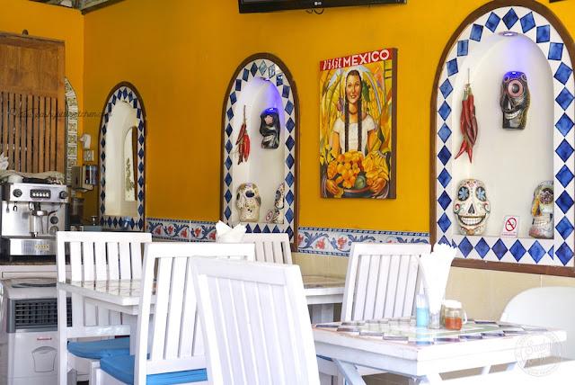 Interior Taco Beach Grill dengan dekorasi ala meksiko