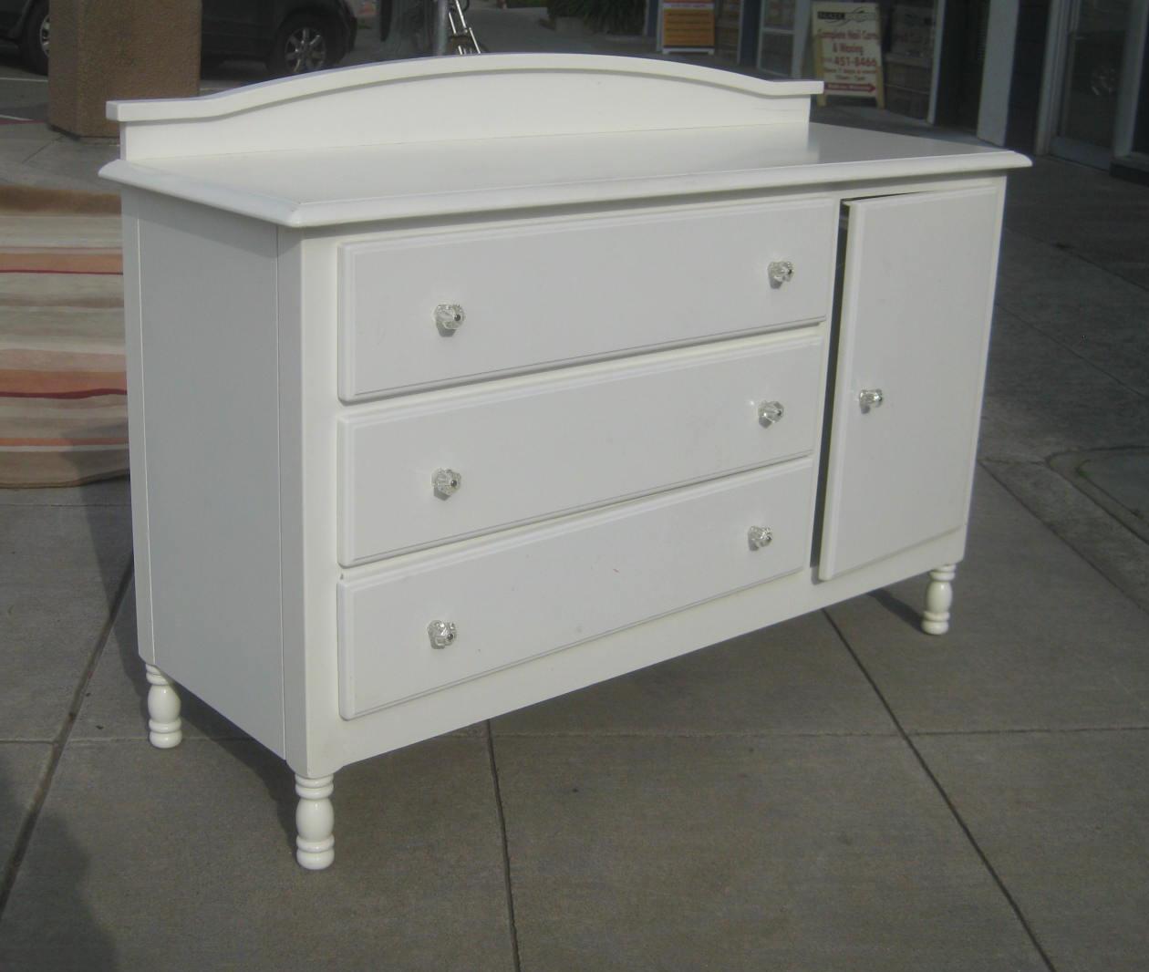 Attirant SOLD   White Dresser Cabinet   $80