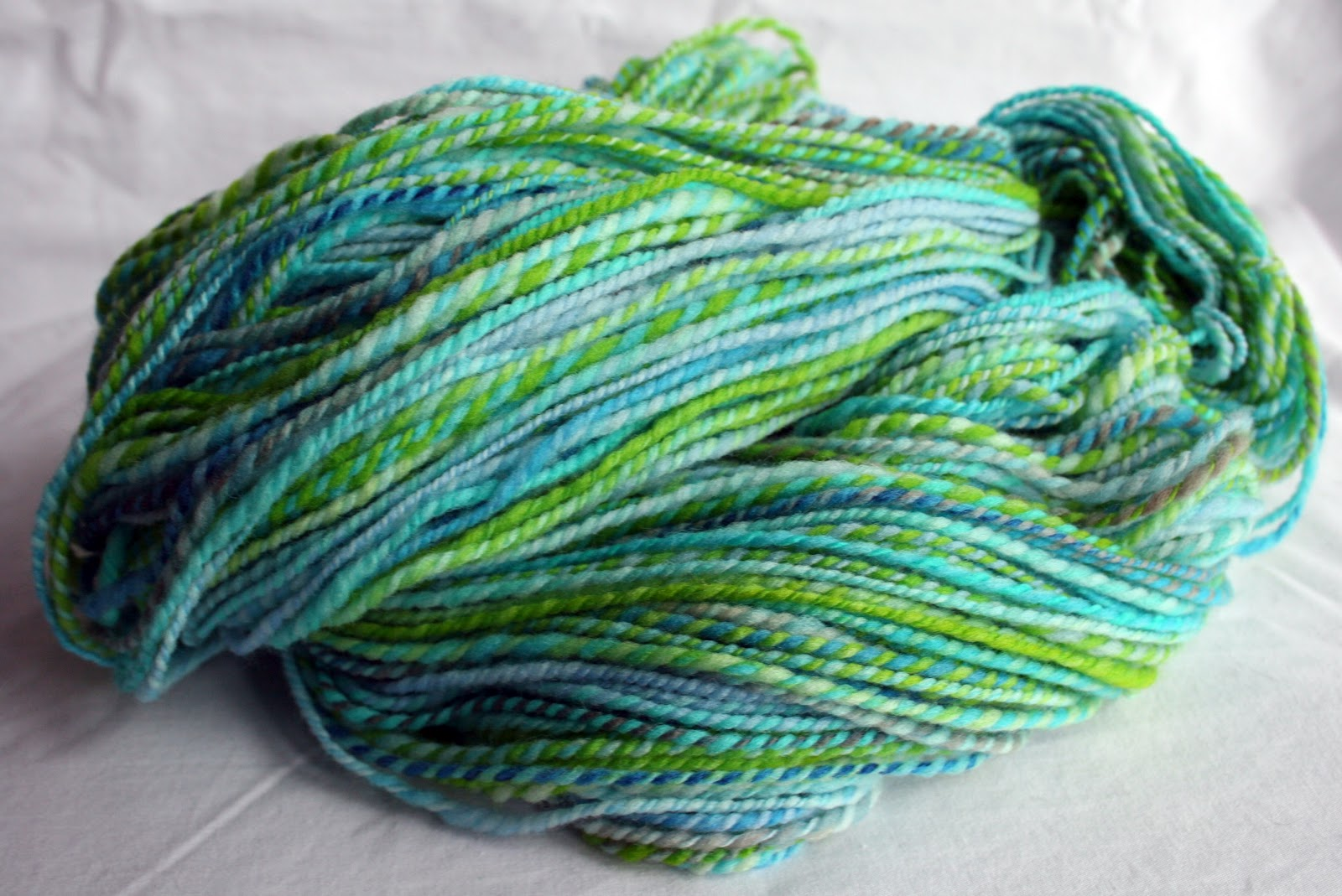Northbound Knitting : doodles in string: spinning and more spinning