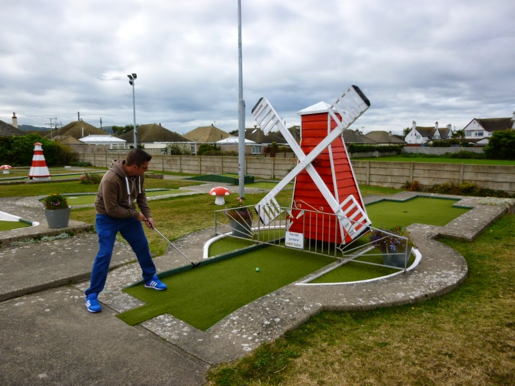 'The Butler Cup' Holiday On The Buses Crazy Golf Tournament