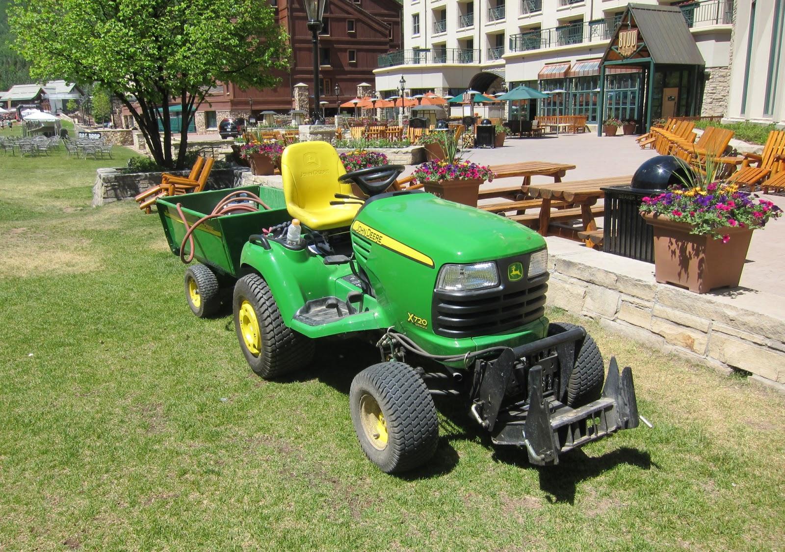 transpress nz  John Deere X720 tractor