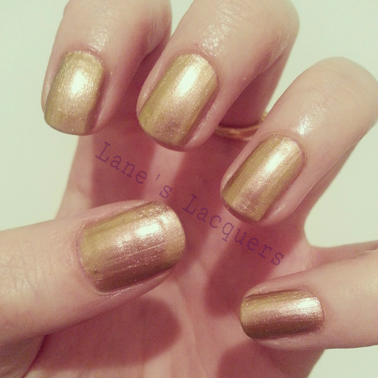 barry-m-aquarium-gold-aqnp3-swatch-manicure