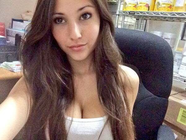 porn naked girl selfies