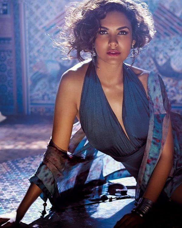 Esha Gupta's Hot Photos