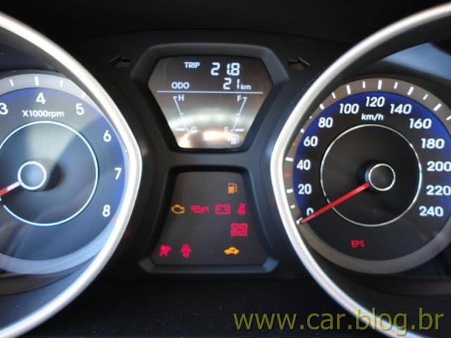 Hyundai Elantra 2012 GLS 1.8L Automático - instrumentos do painel