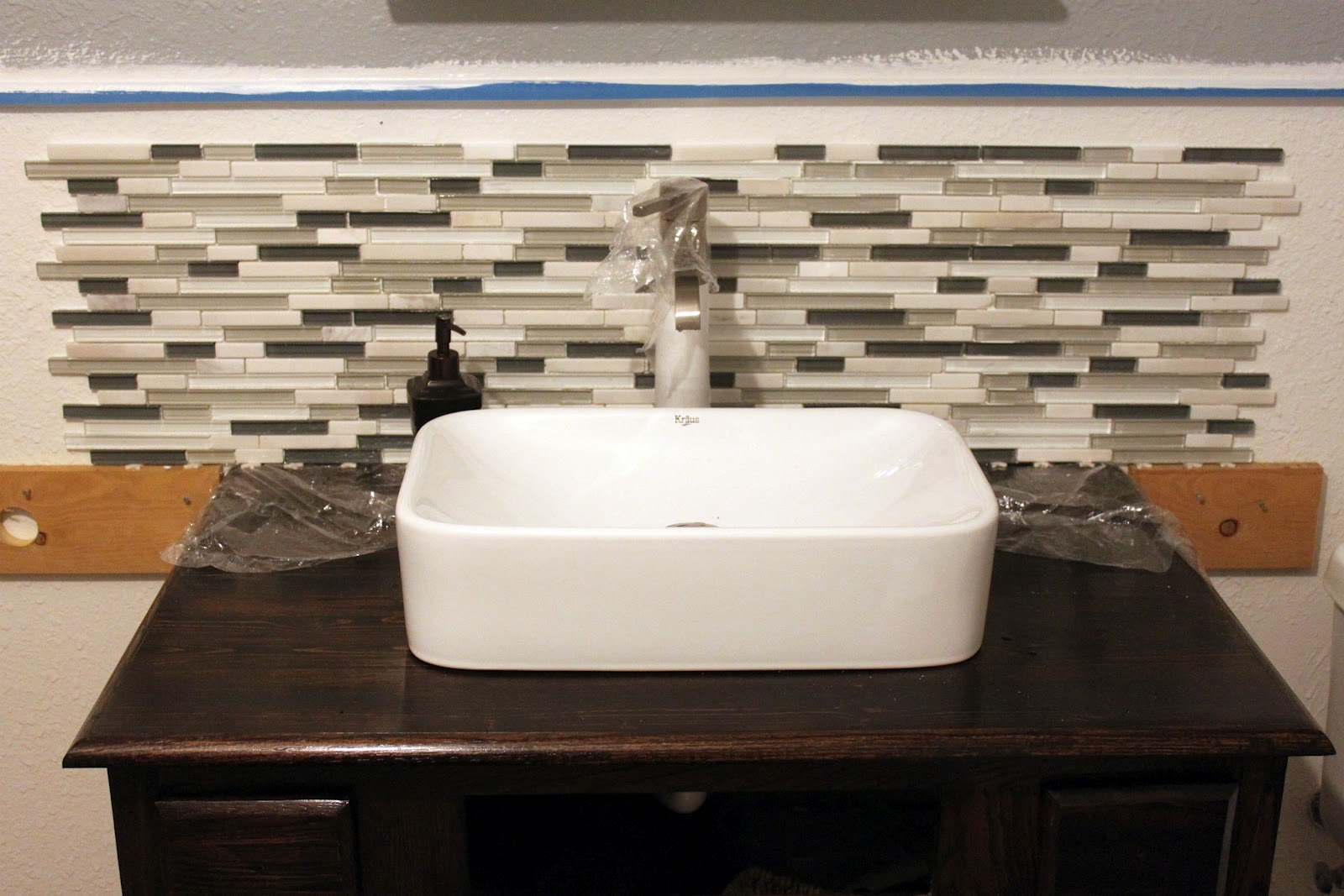 Bathroom Tile Backsplash Edges