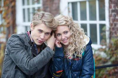 "Carrie's Mossimo Womens Retro Puffer Jacket The Carrie Diaries Season 1, Episode 3: ""Read Before Use"""
