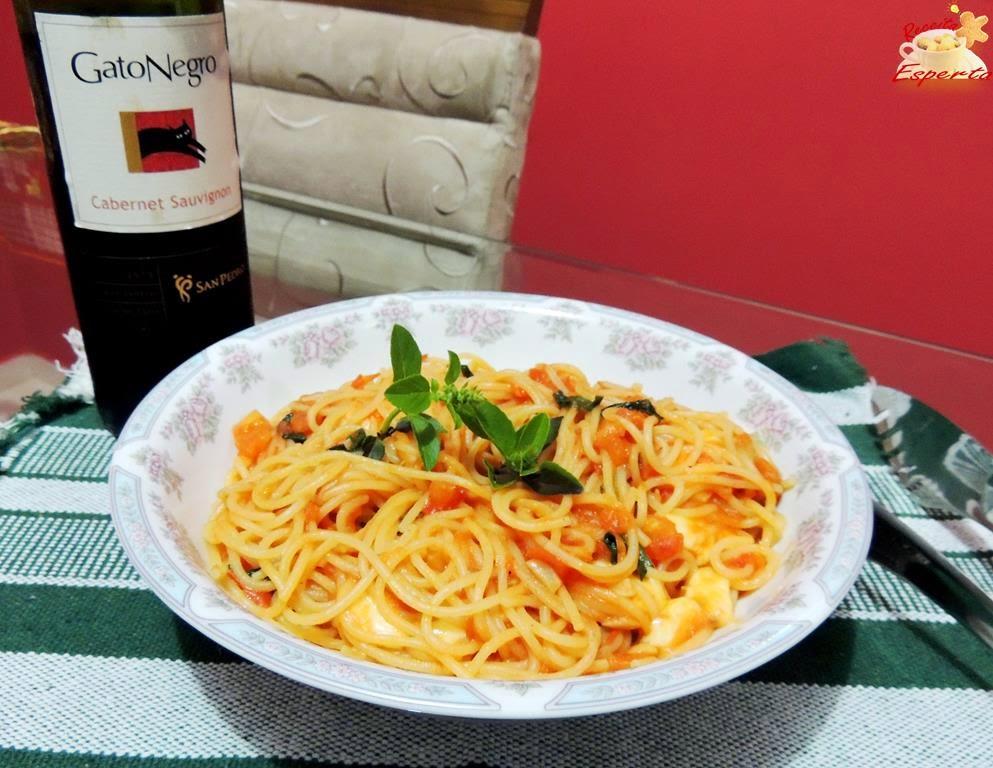 Macarronada com o Verdadeiro Molho Italiano
