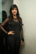 Shruti Haasan at Yevadu App Launch event-thumbnail-6