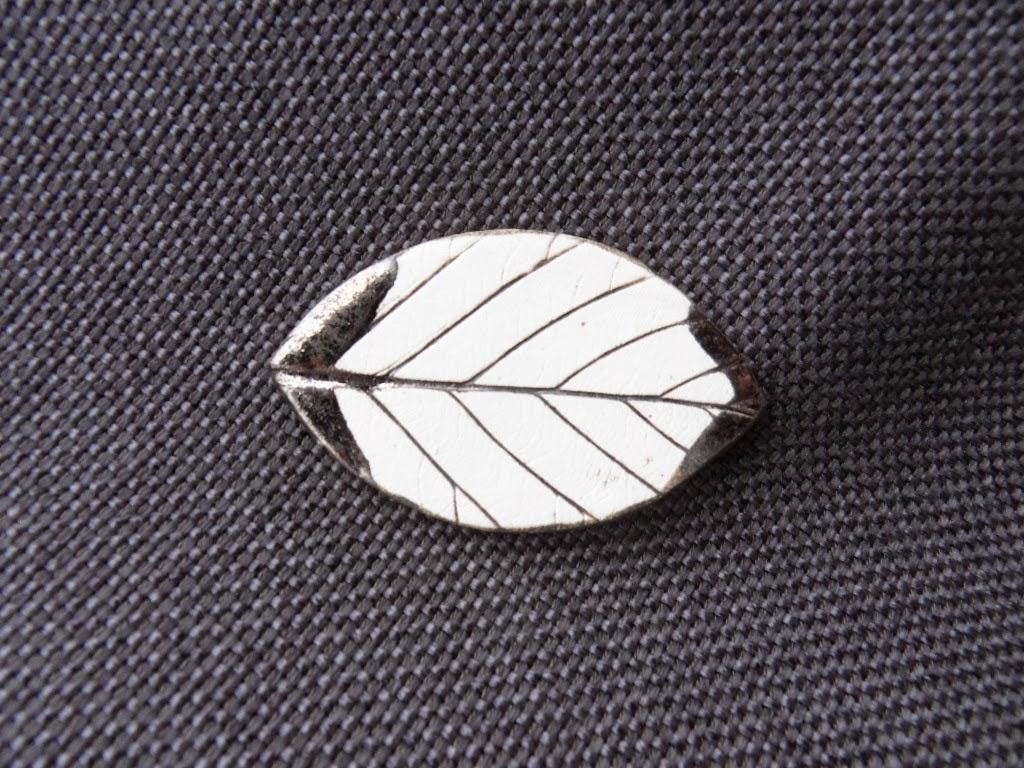 broszki liście
