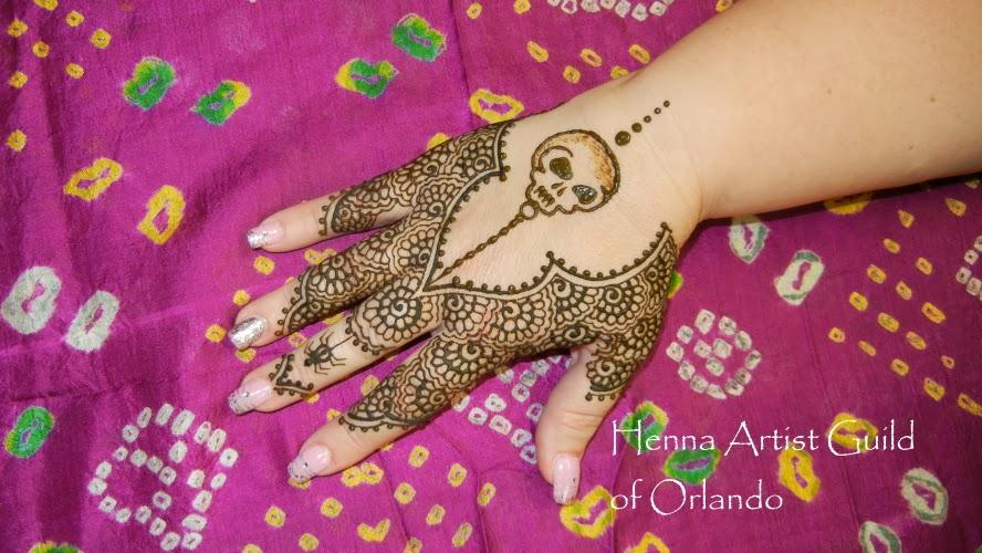Halloween henna skull design