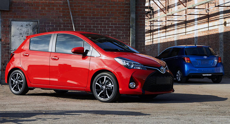 Euro flavored 2015 toyota yaris facelift comes to u s for Interieur yaris 2015