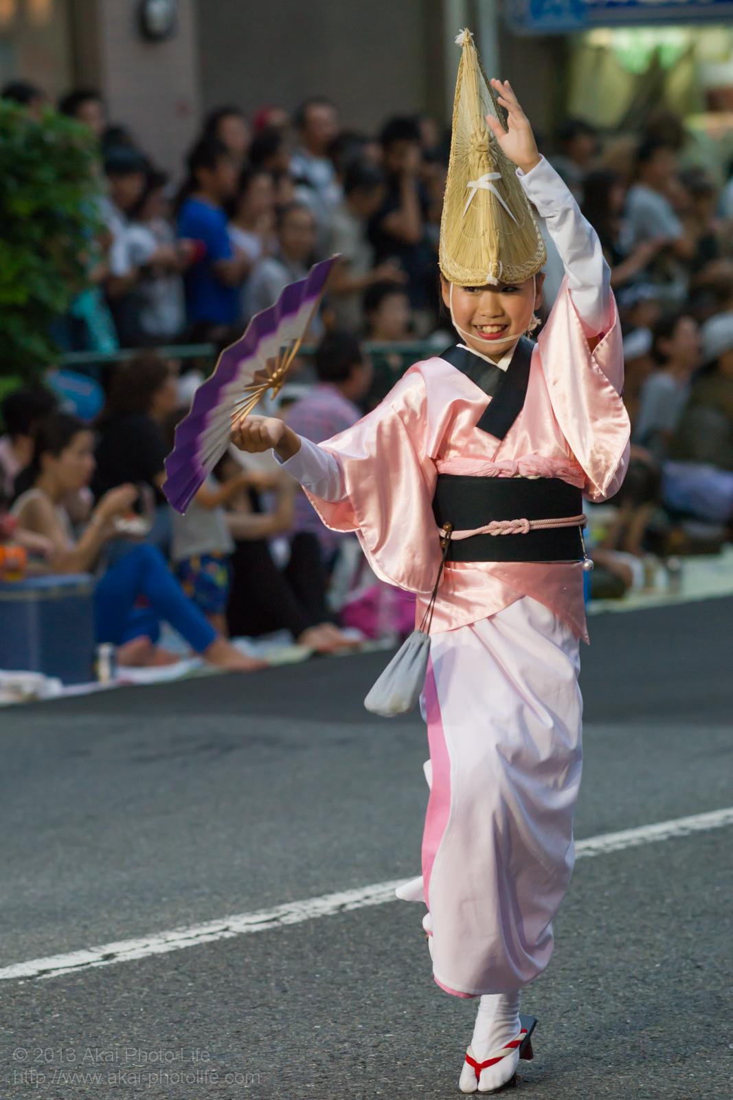 高円寺阿波踊り 粋輦の子供の扇子踊り