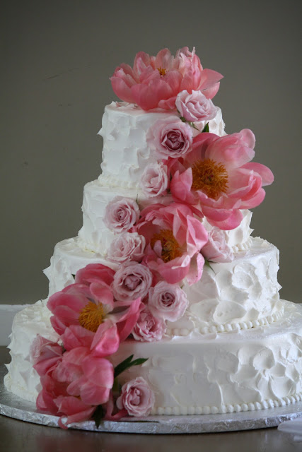 Peony Flowers on Wedding Cake - Wedding cake with Peonies