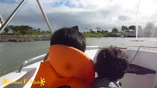 mY WIFE AND SON ENJOYING THE BOAT RIDE IN Nuvali Park