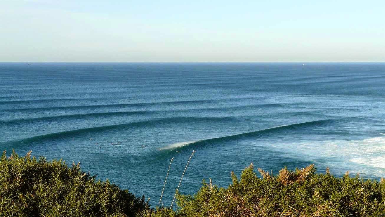 surfing menakoz 20