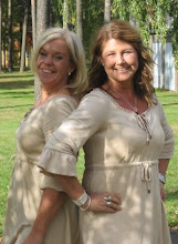 Två glada tjejer Lotta & Jag:-)