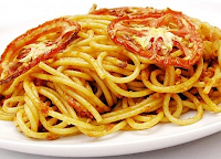 Espaguete ao Molho de Tomate Assado e Alho (vegana)