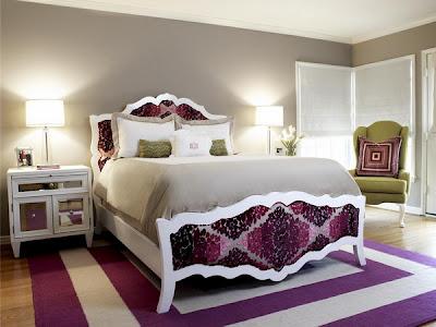 habitación toques púrpuras