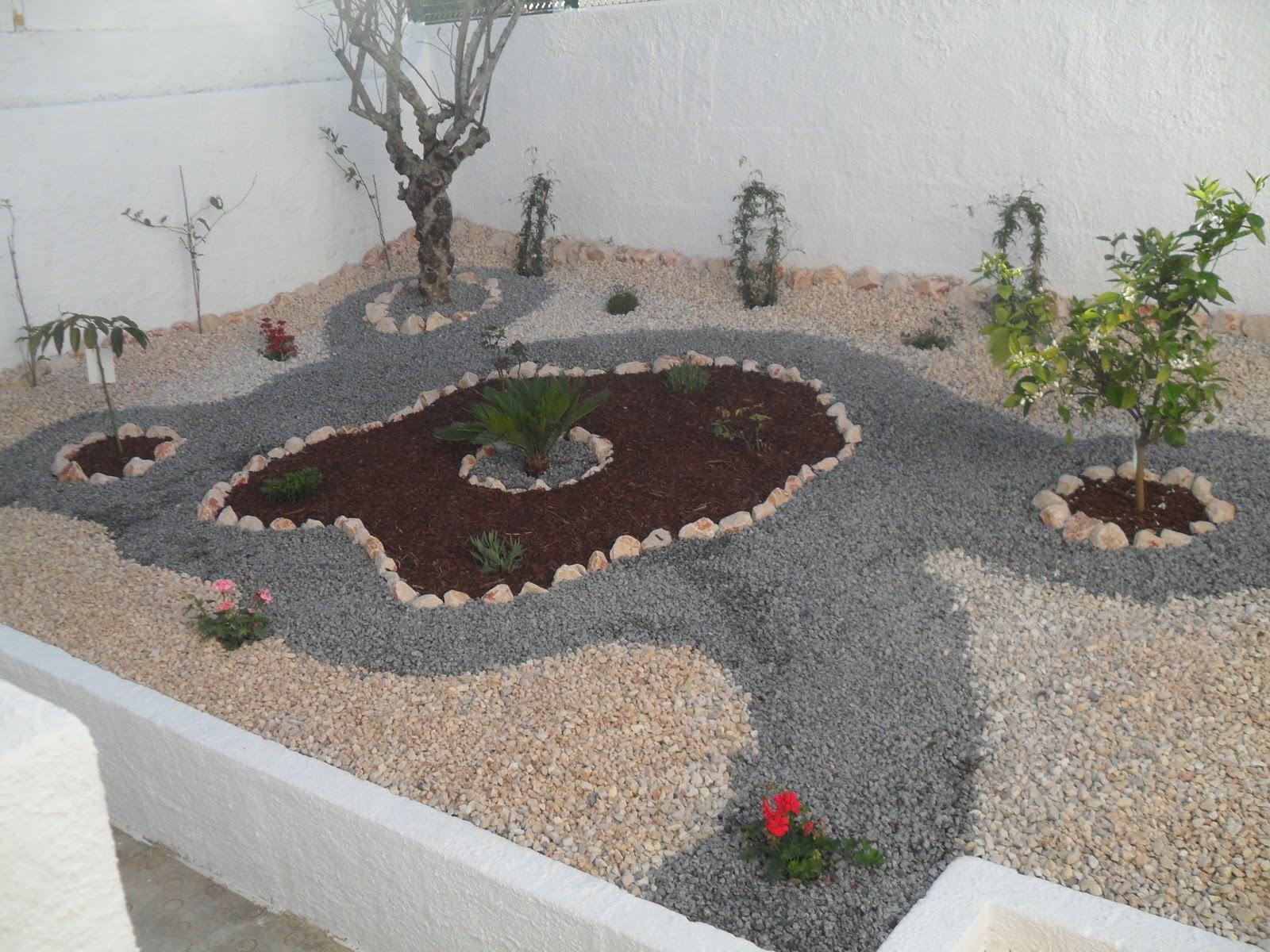 JK Jardinagem e Multi Serviços Construç u00e3o do Jardim , Decoraç u00e3o com Pedras Casa do Diplomata  # Decoração De Jardins Com Pedras E Flores