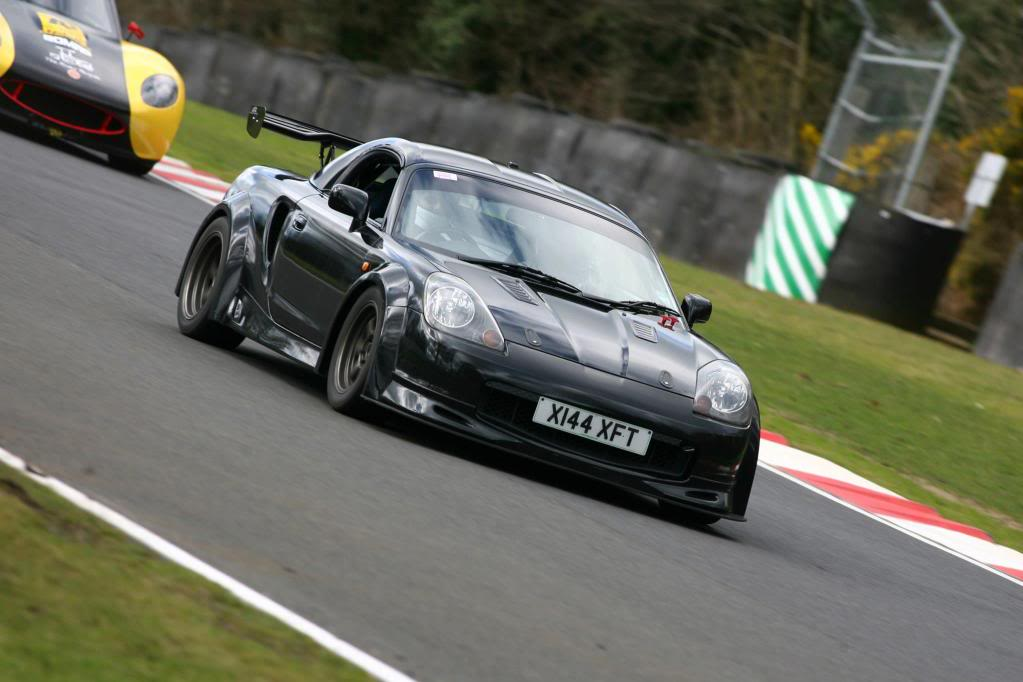 Toyota MR2, MK3, roadster, japoński sportowy samochód, wygląd, zdjęcia, poszerzenia, na torze wyścigowy, agresywna, オープンカー