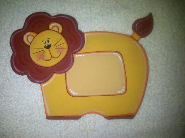 CAJITAS DE SUEÑOS: Distintivo de leon