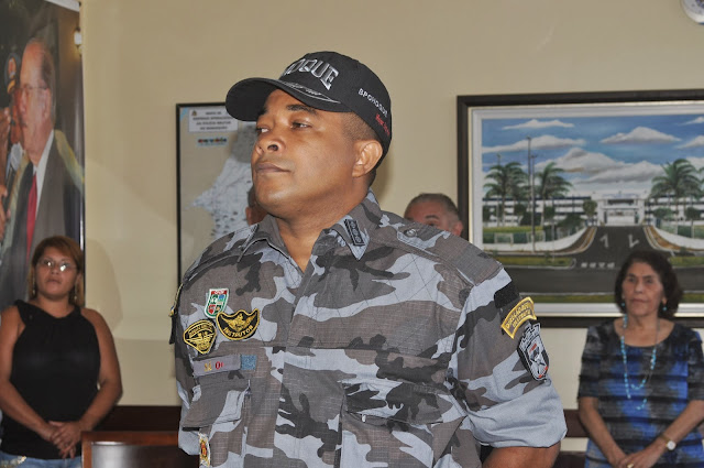 http://ebnilsoncarvalho.blogspot.com.br/2013/11/comandante-do-choque-na-defesa-da-tropa.html