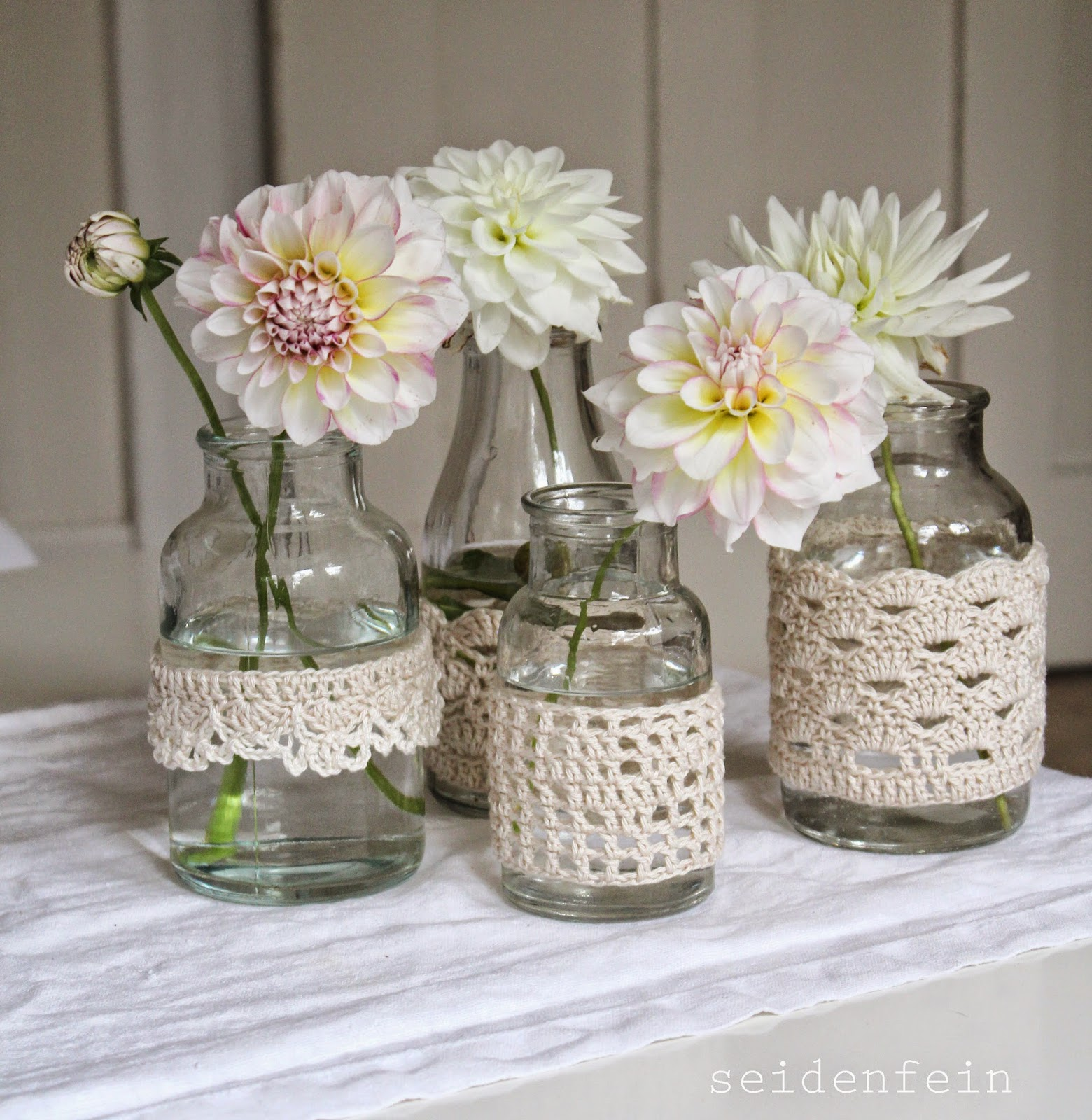 seidenfeins blog vom sch nen landleben zart dahlien in beh keltem glas diy crochet jars. Black Bedroom Furniture Sets. Home Design Ideas